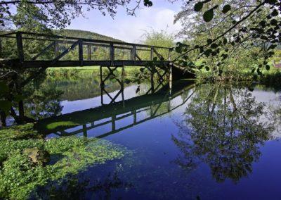 Krka z lesenim mostičkom